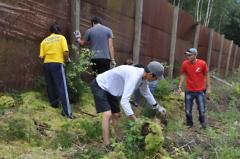 Jugendliche aus aller Welt arbeiten im Workcamp am ehemaligen Grenzzaun bei Probstzella Peter Möller